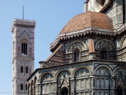 <b>The famous Duomo with the bell tower</b>
