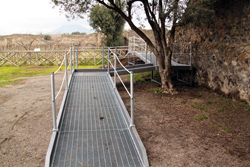 <b>One of the wheelchair ramps in Pompeii. <br>In certain places the disabled guests <br>might need the help of the guide</b>