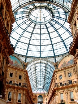 <b>Inside view of the iron-and-glass roof of Galleria Vittorio Emanuele II</b>