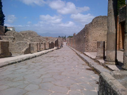 <b>View of a Roman road in Pompeii</b>
