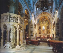<b>The beautiful interior of the Cathedral <br>in Pisa</b>