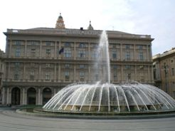 <b> The big fountain in Piazza De Ferrari square in Genova </b>