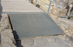 <b>Other example of accessible ramp</b>