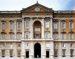 <b>The main facade of Royal Palace of <br>Caserta</b>